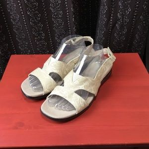 Grasshoppers Fabric sandals
